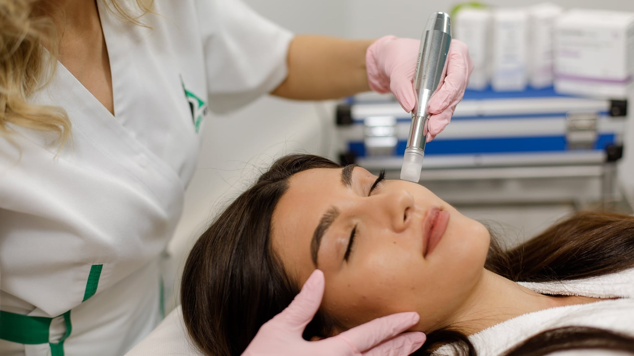 Tratament Riduri cu Micro-Needling